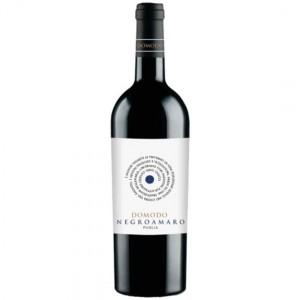 Вино Италии DOMODO Negroamaro Puglia / Домодо Негроамаро Апулия, Кр, Сух, 0.75 л [8023354044218]