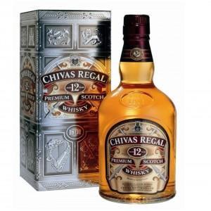 Виски Шотландии Chivas Regal 12 yo / Чивас Ригал 12 ео, 0.75 л в подарочной металлической упаковке [080432400234]